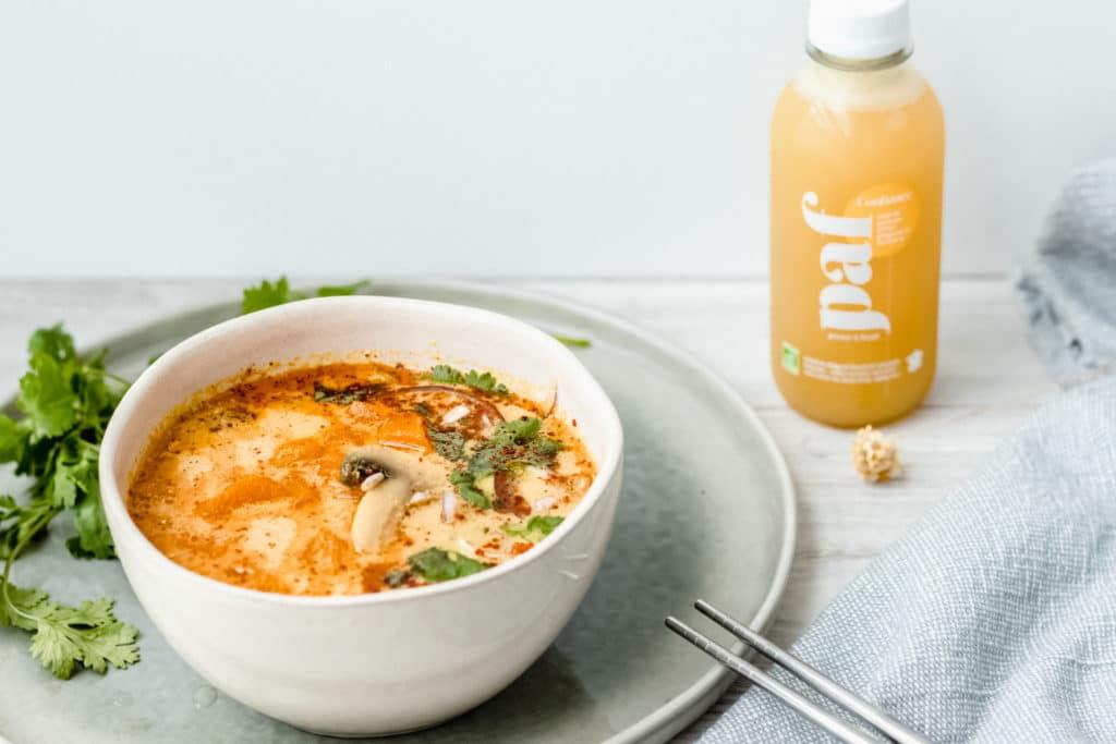 soupe thaï lait de coco gingembre et légumes de saison