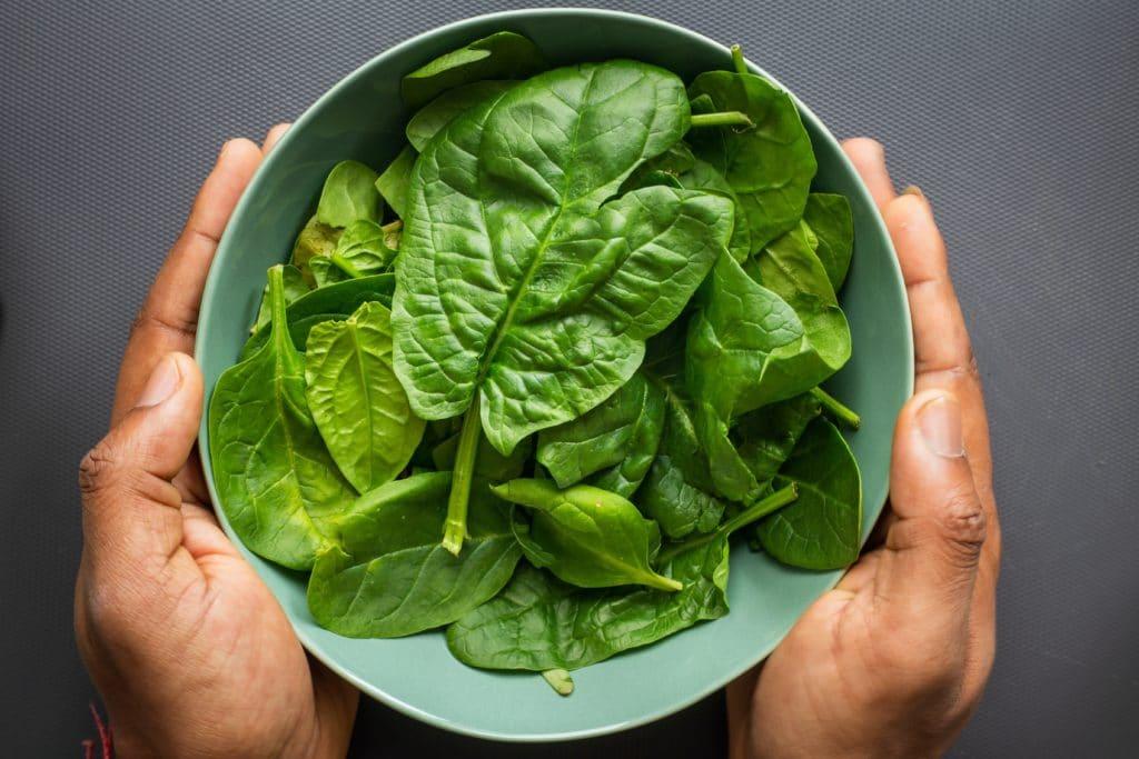 Les épinards, allié jus vert